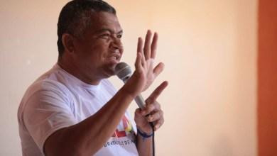 Photo of Valmir critica Bolsonaro por politizar vacina e diz que país precisa de outros imunizantes para a população
