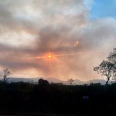 O fogo consumiu vegetação entre os dois municípios chapadeiros   FOTO: Divulgação  