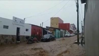 Photo of #Chapada: Temporal deixa famílias desabrigadas e ruas alagadas no município de Morro do Chapéu
