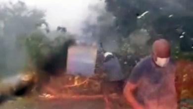 Photo of #Chapada: Forte chuva continua atingindo a região; árvore cai e coordenador da Defesa Civil ajuda a liberar pista