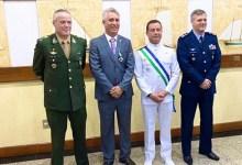 Photo of #Salvador: Vereador reeleito da capital, Henrique Carballal é homenageado pelo Ministério da Defesa