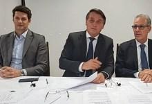 """Photo of #Polêmica: Bolsonaro pede para """"apagar a luz"""" e tomar """"banho mais rápido"""" após aumento de energia"""
