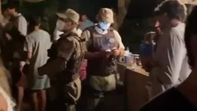 Photo of #Bahia: Polícia encerra festa clandestina com 700 pessoas na casa de Elba Ramalho em Trancoso; cantora grava vídeo indignada