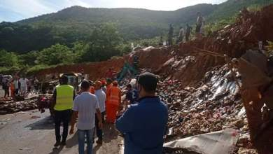 Photo of #Chapada: Caminhão tomba na 'curva da morte' e motorista fica preso às ferragens em Rio de Contas