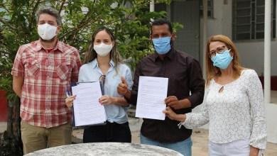 Photo of #Chapada: Faculdade entrega equipamentos hospitalares para a prefeitura de Jacobina no valor de R$645 mil