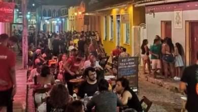 Photo of #Chapada: Lençóis tem aglomerações no primeiro dia de 2021; foto mostra pessoas sem máscaras em bares e restaurantes