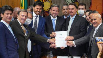 Photo of #Polêmica: Bolsonaro entrega à Câmara projeto que permite privatização dos Correios