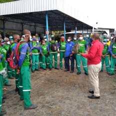 Primeiro dia de vacinação para trabalhadores de limpeza urbana em Salvador - FOTO Divulgação 4