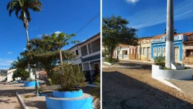 Photo of #Chapada: Após reclamações, prefeitura de Palmeiras esclarece sobre pintura do cemitério e de praça com cores de partido do gestor