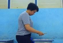 Photo of #Chapada: Coordenadora pedagógica de Seabra tem olhar de cuidado para o que os alunos deixam escrito e desenhado nas carteiras da escola