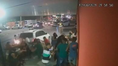 Photo of #Vídeo: Motorista que atropelou e deixou várias pessoas feridas em bar de Feira de Santana é identificada