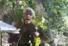Photo of #Vídeo: 'Camuflado' com folhas e tronco, Pastor Sargento Isidódio afirma que vai entrar na caça por Lázaro Barbosa