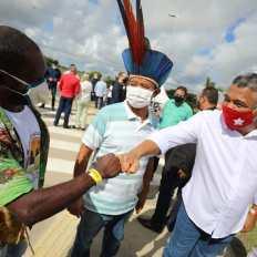 O deputado federal Valmir Assunção durante entrega da policlínica de Eunápolis - FOTO Jonas Santos