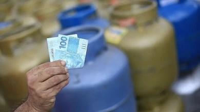 Photo of #Brasil: Custo médio do gás de cozinha ultrapassa R$100 pela primeira vez; gasolina sobe 3,3%