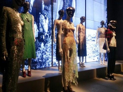 Alexander-McQueen-Savage-Beauty-Victoria-and-Albert-Museum