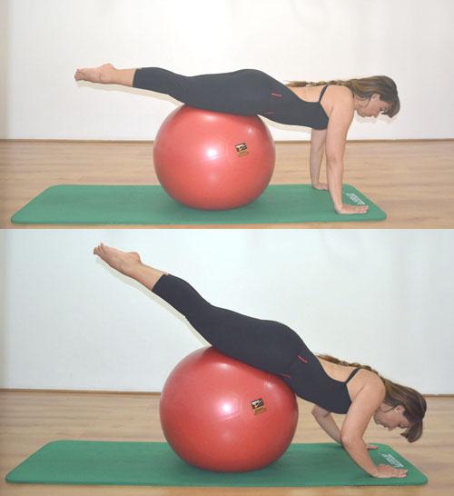 exercicio-braco-gluteos-na-bola-pilates