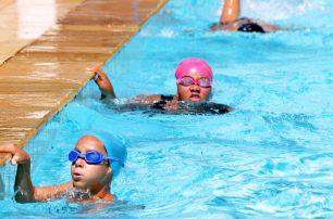 Complexo Aquático abriga alunos da natação das Escolinhas de EsporteS TeTê Viviani
