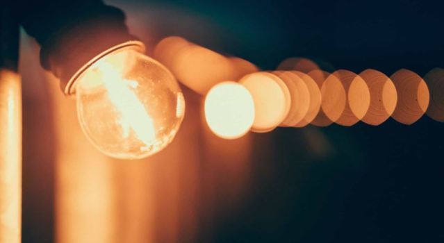 Conta de luz terá cobrança extra a partir desta terça-feira, decide Aneel