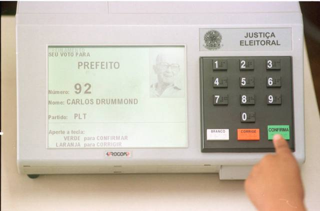TSE faz testes preparatórios para segundo turno das eleições