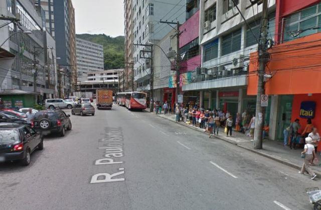 Pontos de ônibus voltam para a rua Paulo Barbosa no Centro