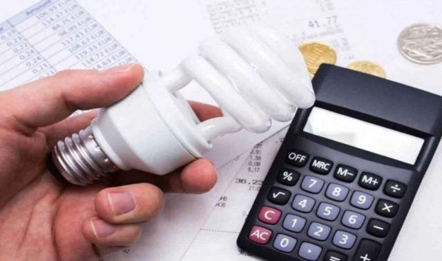 Contas de luz devem ter maior reajuste desde 2018, diz Aneel