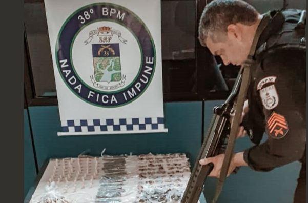 POLICIAIS DO 38º BPM LOCALIZAM ARMAZENAMENTO DE DROGAS EM PARAÍBA DO SUL