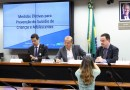 Deputados discutem medidas para frear aumento de suicídio de adolescentes