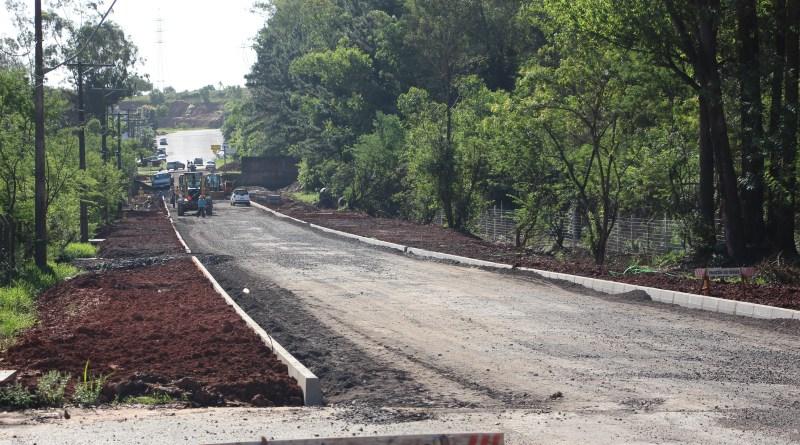 Pavimentação da Avenida das Indústrias deve ser concluída até o Natal
