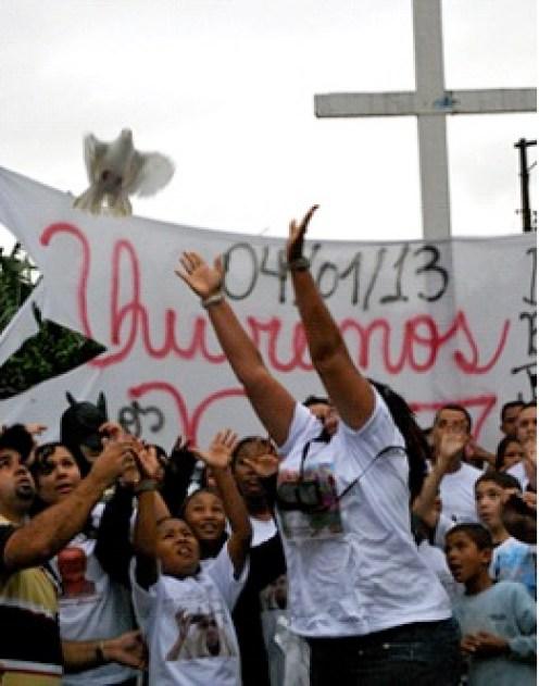Manifestação contra chacina no Capão Redondo - São Paulo, janeiro de 2013