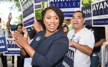 Ayanna Pressley: primeira mulher negra eleita pelo Estado de Massachusetts…