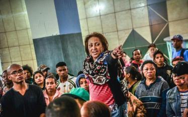 Dona Carmem, líder da luta por Moradia, é absolvida de…