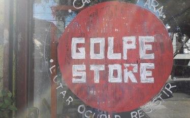 """Loja Golpe Store vende artigos Lula Livre, Ursal e """"Ursene"""""""