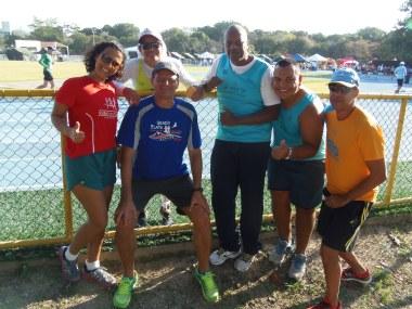 Aline, Lucileide, Carlos, Eduardo, Luiz e Natan, equipe da Vila Olímpica da Maré / Foto Eliano Félix
