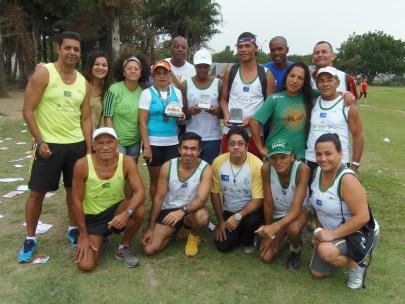 Lucileide, Evandro e Marcelo. Homenagem da equipe da Vila Olímpica / Foto Eliano Félix