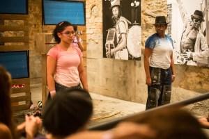 Cena da peça Em Uma Família. Foto: Renato Mangolin