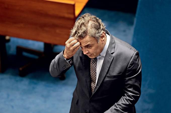 aecio-neves-a-queda Aécio Neves chora em telefonema com ex-ministro do STF por causa da irmã presa Uísque Aécio Tucano Andreia Neves Aécio Neves chora