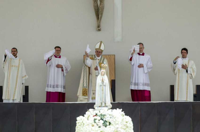 Igreja: Fátima reza pela recuperação do Papa Francisco