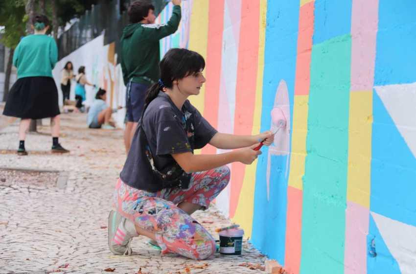 Proença-a-Nova: Festival de Arte Urbana pinta muro da escola
