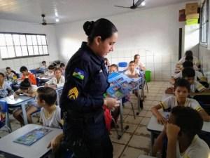 Alunos da Escola Tancredo Neves de Ji-Paraná estão participando do Proerd