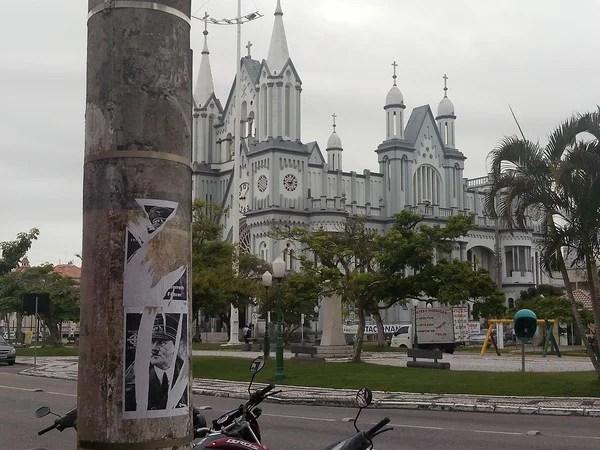 Justiça absolve dois acusados de colar cartazes exaltando Hitler em Santa Catarina