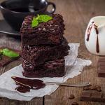 طريقة عمل البراونيز والبراونيز بقطع الشيكولاتة – حلويات