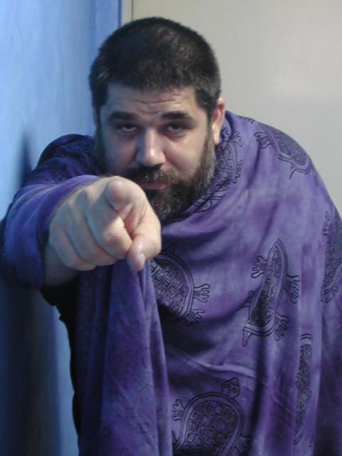 JOSAN SEÑALANDO  A ANONIMÓN...