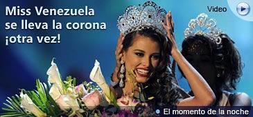 Una Miss Universo Venezuela 2008, le entrega la Corona de la Paz a una Miss Venezuela 2008, ahora Miss Universo 2009, por Telemundo.