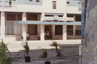 El Hotel Deaville en EL MALECONAZO, del 5 de agosto de 1994.