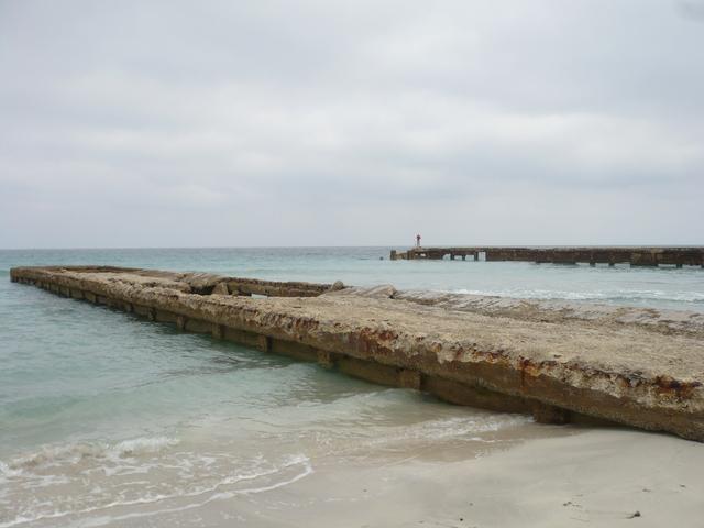 La confluencia de las aguas, río y mar, de Ochún y Yemayá...