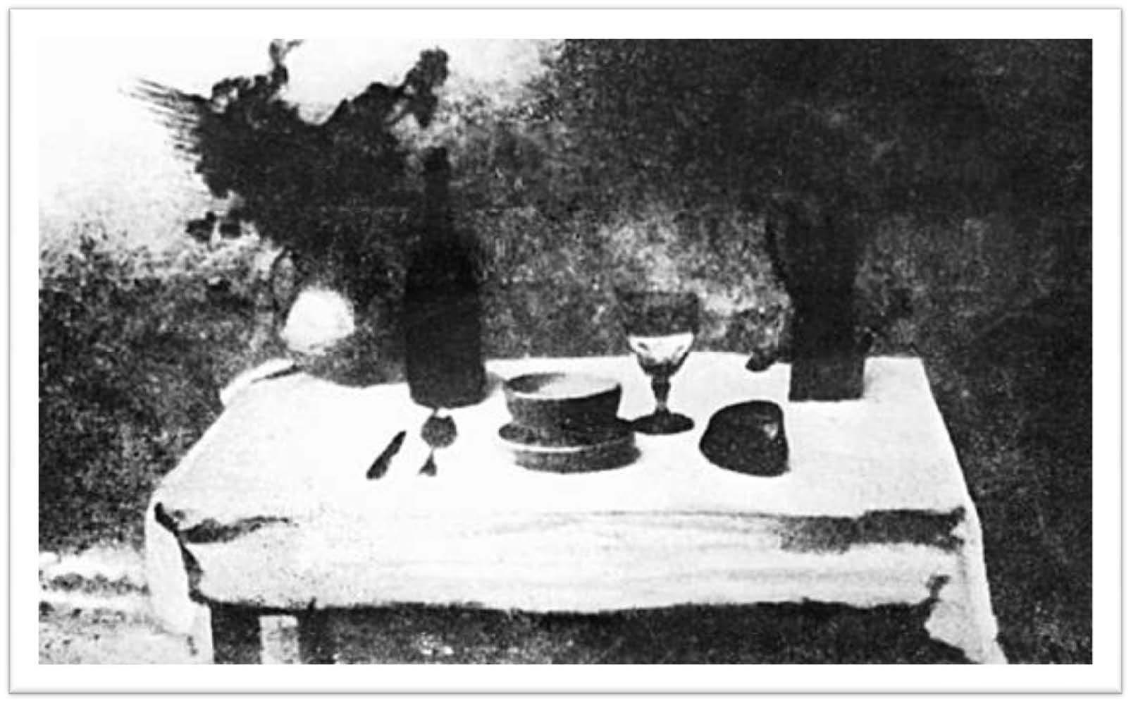 La primera fotografía de la historia - La mesa puesta - Niepce