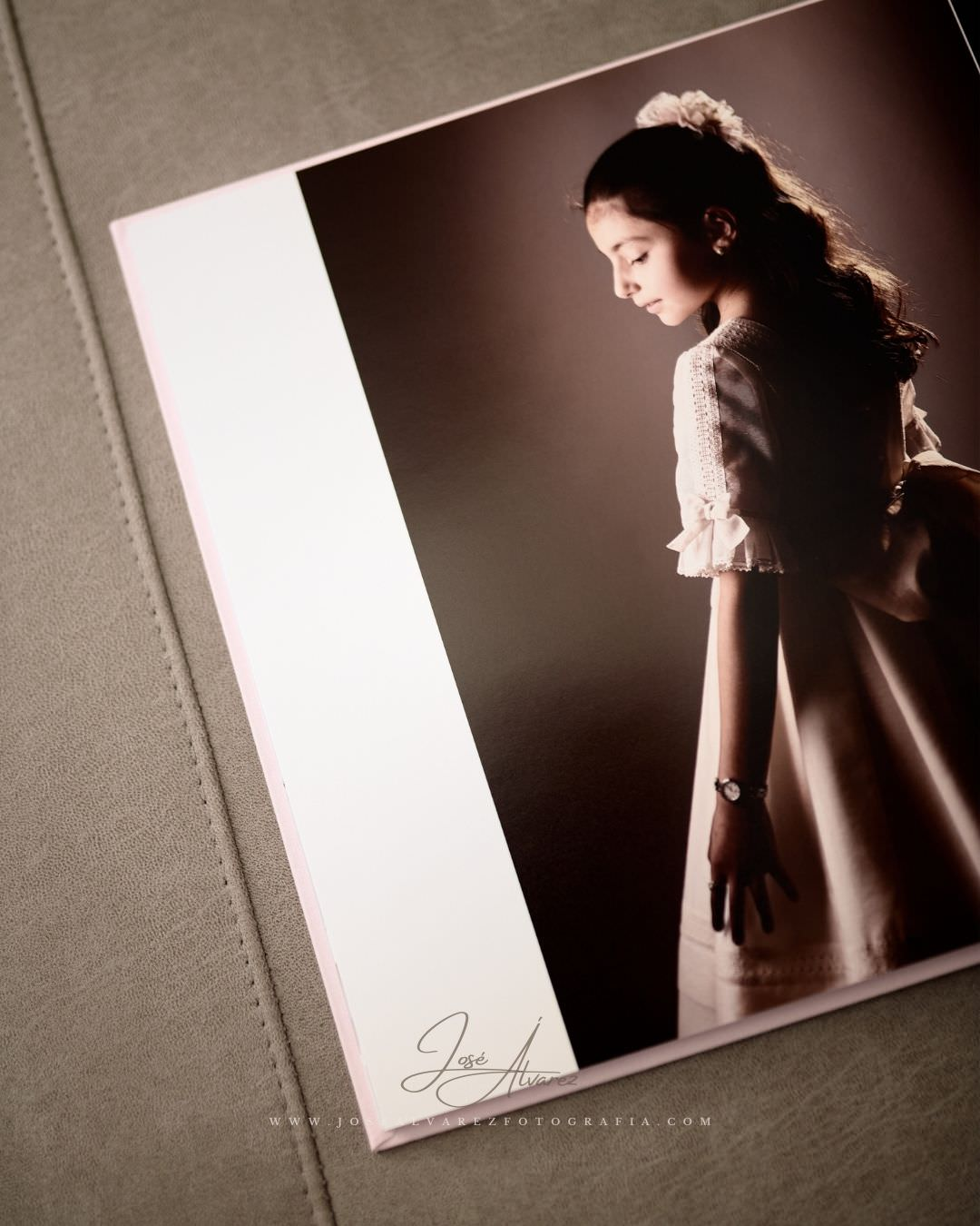 Álbum de Primera Comunión - Inés - José Álvarez Fotografía