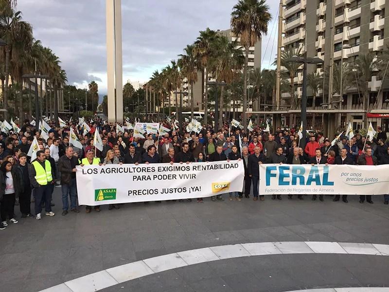 Manifestación de agricultores en Almería el 4 de febrero de 2016