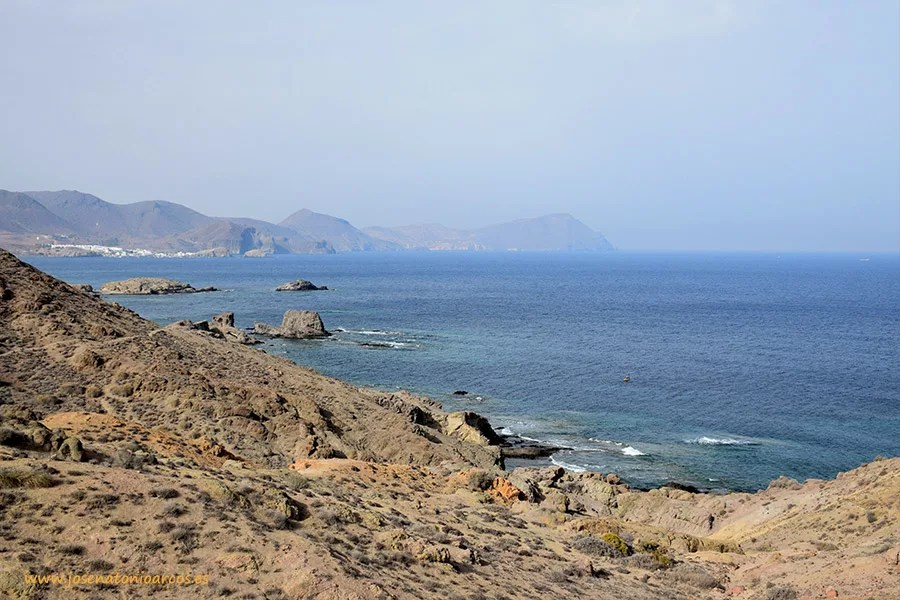 Parque Natural de Cabo de Gata en Níjar, Almería, Andalucía. Playas y calas volcánicas