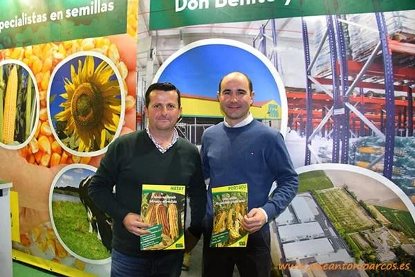 Pedro José González, técnico de campo en el sur de España; y Jorge Manrique, responsable del centro de producción de I+D de Fitó en Don Benito.